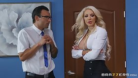 Domineer vixen Nicolette Shea hooks up at hand a random gentleman