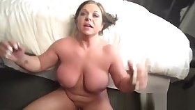 Supernatural busty mature lady is acquiring moneyshot