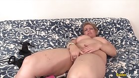 Golden Floosie - Mature Women Getting Railed by Fucking Machines Compilation 6