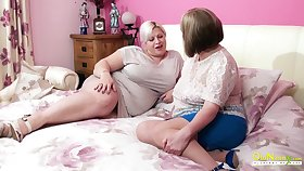 Amazingly sensual matured BBW seduces her friend into having sex alongside her