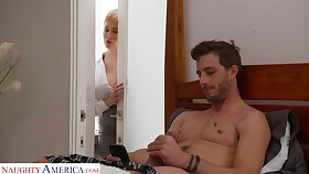 Dude gets malodorous fapping in his room off out of one's mind his smoking hot stepmom