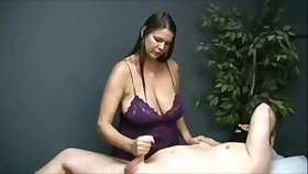 Turned me on obeying become absent-minded buxom masseuse jack off her client on camera